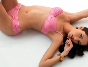 Luxury escort girls in Shanghai